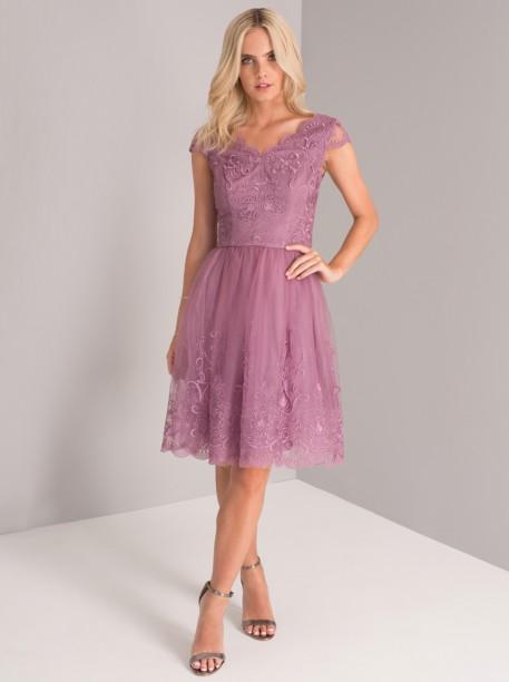 Krajkové šaty v barvě lila Chi Chi London Kaleen Chi Chi London ... 4fe23d79fd
