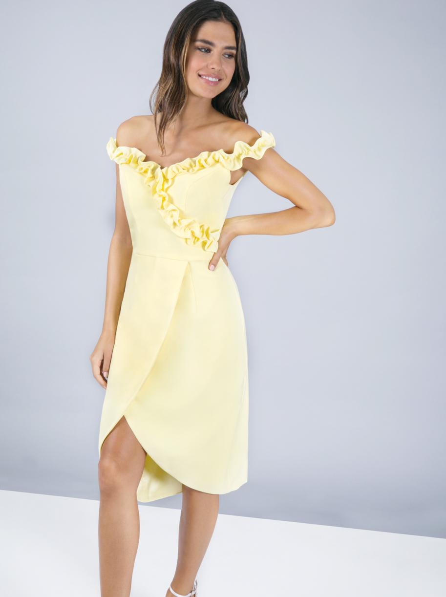 Žluté pouzdrové šaty Chi Chi London Brianna Chi Chi London  e74d7cef35