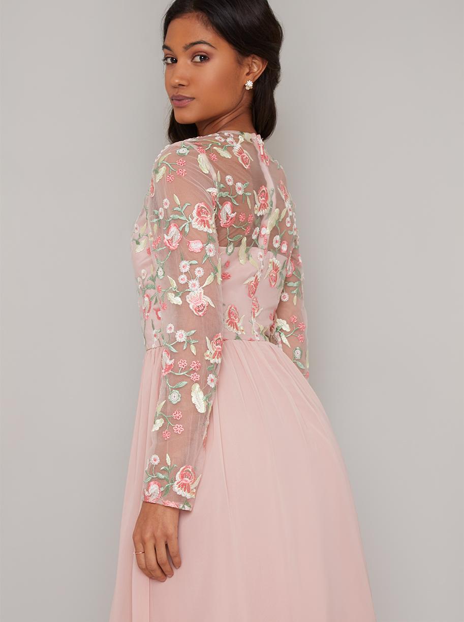 Růžové společenské šaty s výšivkou Chi Chi London Fatima Chi Chi ... e40cabc0ec