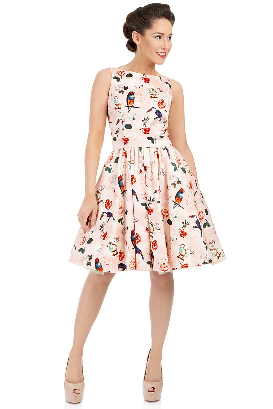 Světle růžové šaty s motivem papoušků Lady V London Tea Lady V ... 63348514f0