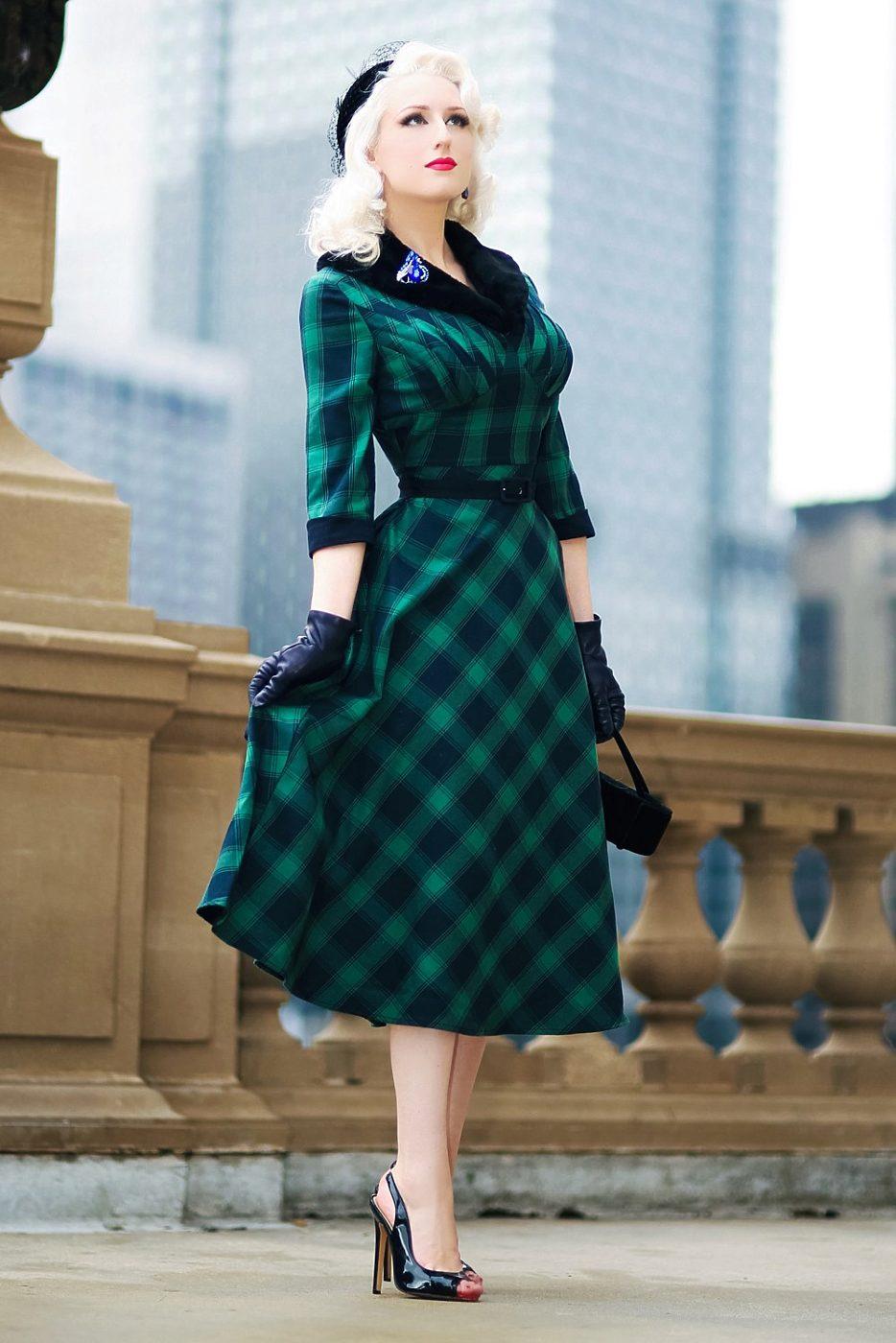 e2dc877d46e3 Tartanové šaty s kožešinovým límcem Voodoo Vixen Lola Voodoo Vixen ...