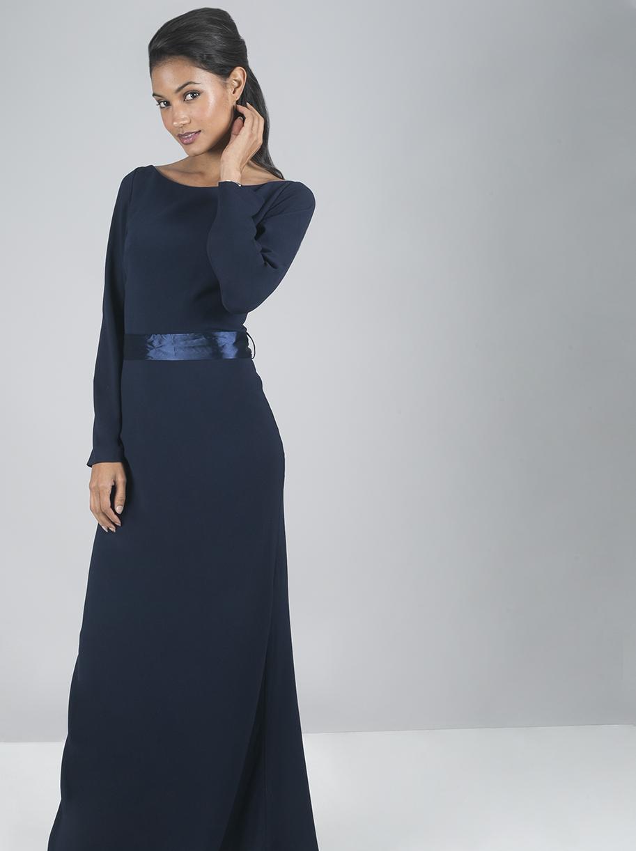 a7a70ad7af1 Tmavě modré dlouhé šaty Chi Chi London Valedina Chi Chi London ...