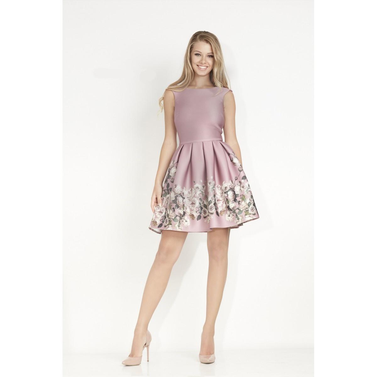 38ac574bb153 Fialové společenské šaty s květy Betty M Lila Evening Betty M ...