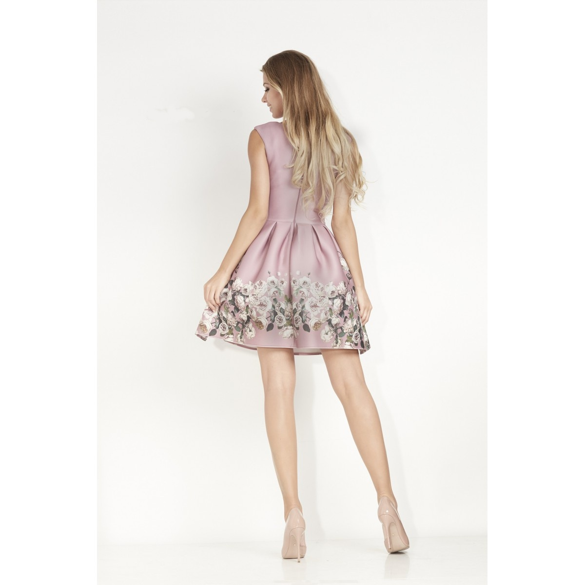 89a7834a48c Fialové společenské šaty s květy Betty M Lila Evening Betty M ...