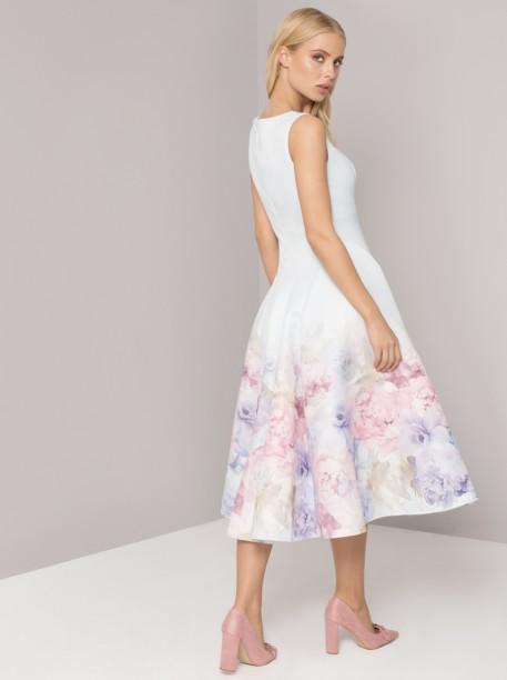 Světle modré šaty s květy Chi Chi London Beky Chi Chi London ... 12ee179ba8