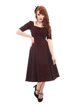 e608c2221a6 Vínové šaty se sametovým vzorem Collectif Doll