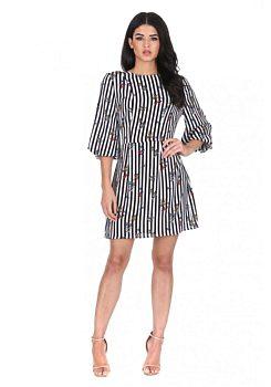 Bílé šaty s černými pruhy a květy Inna Ax Paris fd7ccb2da7