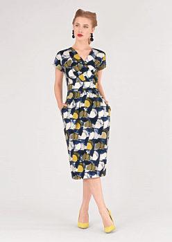Barevné šaty s úzkou sukní Closet Deja 493007a00c