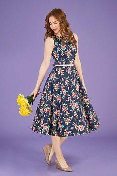 fc9392fe9598 Novinka Tmavě modré šaty s barevnými květy Lady V London Audrey
