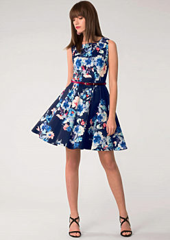 Tmavě modré šaty s květy Closet Dessa 80cb34ea8c