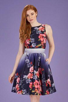 9394fcb8682f Novinka Fialovo modré šaty s červenými květy Lady V London Tea