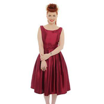 e4f15bf5492 -50% Vínové společenské šaty Lindy Bop Evelana